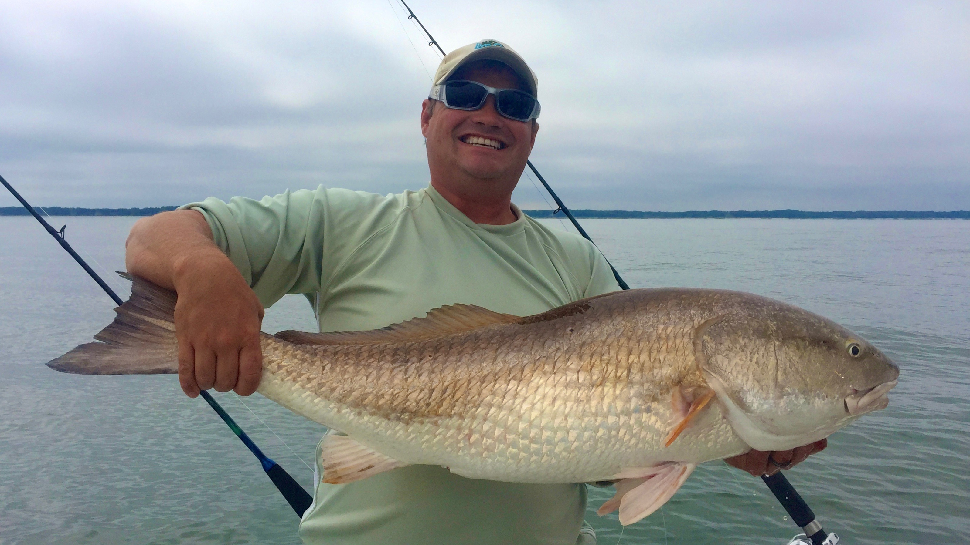 Bull redfish on a cloudy day captain blair willis for Hilton head inshore fishing